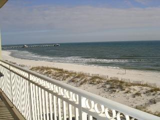 Beautifully decorated 3 bedroom 3 bath unit beachfront in Gulf Shores - Gulf Shores vacation rentals