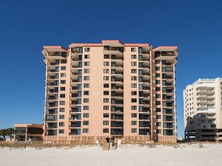Large 3 bedroom 3 bath west corner beachfront unit - Orange Beach vacation rentals