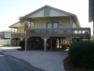 Cottage with lots of privacy, 2 bedrooms 1 bath - Gulf Shores vacation rentals