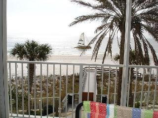 Beachfront 3 bedroom 2 bathrooms very user friendly complex - Orange Beach vacation rentals