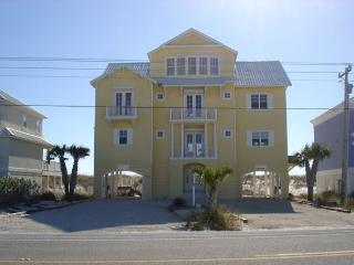 5 Bedroom 5.5 bath beach front house for large family gatherings - Gulf Shores vacation rentals