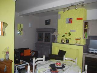 2 bedroom House with Internet Access in Arras - Arras vacation rentals