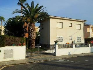 Nice Condo with Television and Microwave - Cambrils vacation rentals