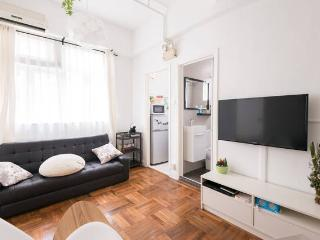 2 BR Apartment in Tin Hau, King's Road - Hong Kong vacation rentals