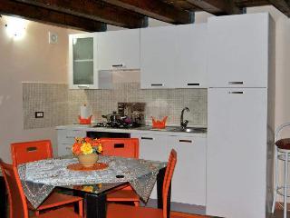 1 bedroom Condo with A/C in Terrasini - Terrasini vacation rentals