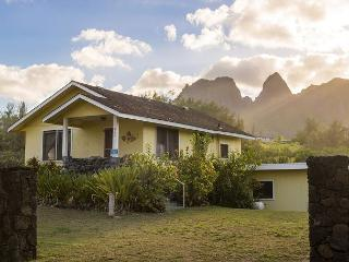 Hibiscus Hula Beach Cottage, Gorgeous Ocean & Mountain Views - Anahola vacation rentals