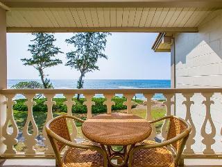 Islander on the Beach #348, Oceanfront Studio, Moon Rise, Sunrise, AC, Wifi! - Kapaa vacation rentals