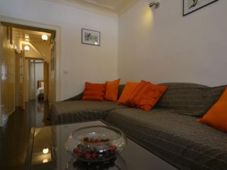 New! One room apartment / downtown Lisboa - Lisbon vacation rentals