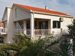 1 bedroom Apartment with Internet Access in Arbanija - Arbanija vacation rentals