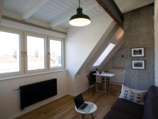 Cosy Prenzlauer Berg Apartment - Berlin vacation rentals
