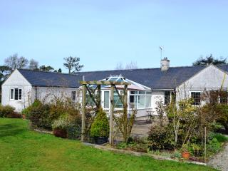 Y BWTHYN - LUXURY 5-STAR QUALITY BUNGALOW Nr NEFYN - Boduan vacation rentals