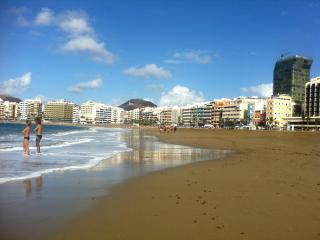 Apartment Near the Beach of Las Canteras - Las Palmas de Gran Canaria vacation rentals