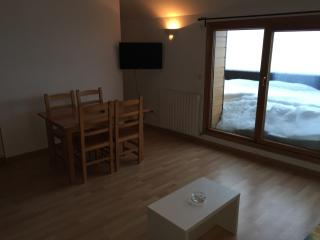 2 bedroom Condo with Television in Encamp - Encamp vacation rentals