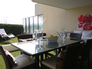 2 beds flat, garden, ac, parking, pool - Nice vacation rentals
