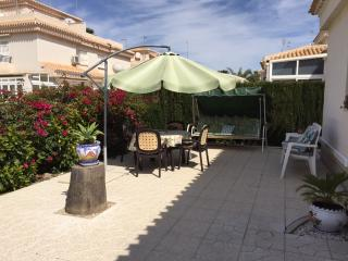 Villa Anita 2 Bed with WIFI, English & European TV - Torrevieja vacation rentals