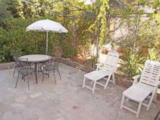 Apartment Garden East Vrboska Hvar - Vrboska vacation rentals
