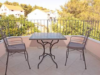 Apartment Balun Vrboska Hvar - Hvar vacation rentals