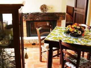 Cafaggio I° appartamento in agriturismo il prato - Loro Ciuffenna vacation rentals