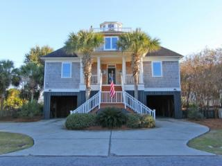 Gorgeous 4 bedroom House in Sullivan's Island with Deck - Sullivan's Island vacation rentals