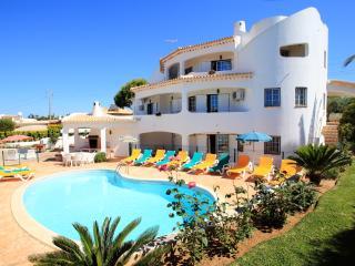 Vila Linda V7 com piscina privada ideal para familias - Albufeira vacation rentals