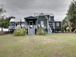 Comfortable 4 bedroom House in Sullivan's Island - Sullivan's Island vacation rentals
