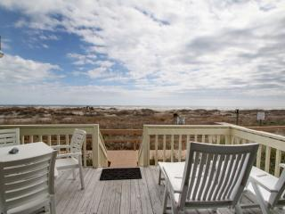 2 bedroom Apartment with Deck in Isle of Palms - Isle of Palms vacation rentals