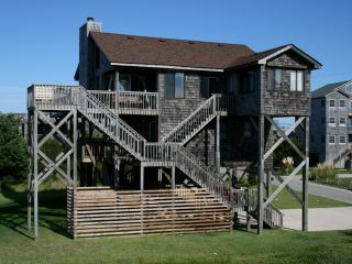 Bright 3 bedroom House in Avon with Hot Tub - Avon vacation rentals