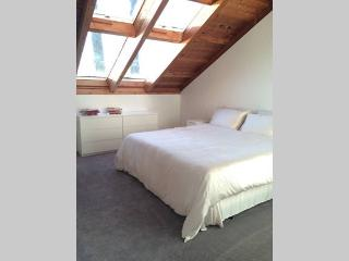Romantic 1 bedroom Lions Bay Private room with Internet Access - Lions Bay vacation rentals