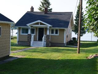 Comfortable Cottage with Internet Access and Satellite Or Cable TV - Rochester vacation rentals