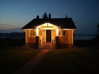 Comfortable Cottage with Internet Access and Dishwasher - Rochester vacation rentals