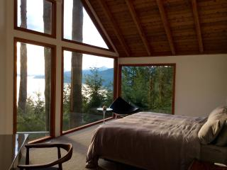 Romantic 1 bedroom Private room in Lions Bay - Lions Bay vacation rentals