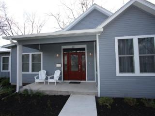 Ford Family Haus-3 Bedroom 2 Bath in Town Property - Fredericksburg vacation rentals