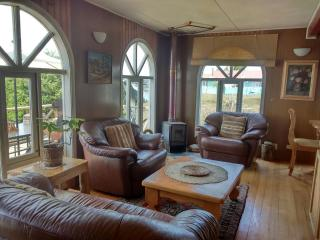 3 bedroom House with Long Term Rentals Allowed (over 1 Month) in Castro - Castro vacation rentals