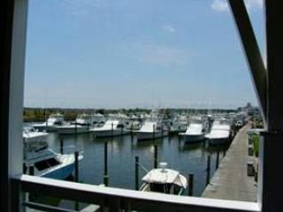 Nice Villa with Balcony and Shared Outdoor Pool - Manteo vacation rentals