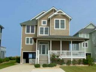 Bright 4 bedroom Manteo House with Balcony - Manteo vacation rentals