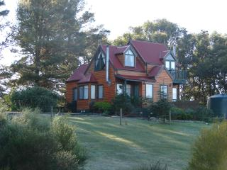 Great Ocean Road 2BR Valley View cottage - Bellbrae vacation rentals