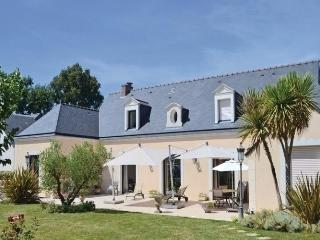 Charming House in Pace with Short Breaks Allowed, sleeps 9 - Pace vacation rentals