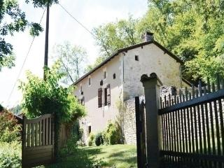 3 bedroom House with Dishwasher in St Front la Riviere - St Front la Riviere vacation rentals