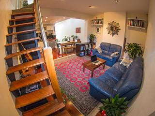 Surry Hills Home by Central Station. Walk to city! - Sydney vacation rentals