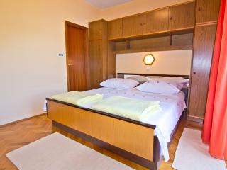 TH03129 Rooms Biserka / S1 / Double Room - Rab vacation rentals
