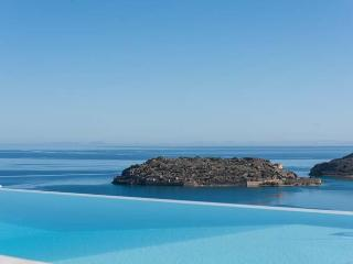 Perfect Villa in Elounda with Satellite Or Cable TV, sleeps 6 - Elounda vacation rentals