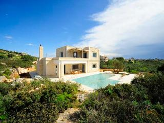 Perfect 4 bedroom Villa in Akrotiri - Akrotiri vacation rentals