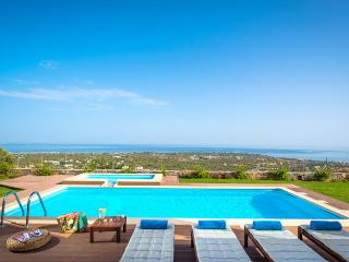 Perfect 3 bedroom Hersonissos Villa with Internet Access - Hersonissos vacation rentals