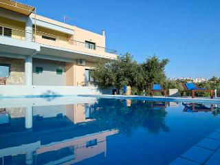 Comfortable 5 bedroom Villa in Akrotiri with A/C - Akrotiri vacation rentals