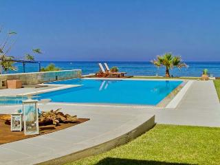 Comfortable Villa in Hersonissos with Stereo, sleeps 8 - Hersonissos vacation rentals