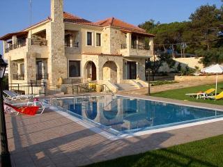 Spacious Villa with Internet Access and Central Heating - Sirili vacation rentals