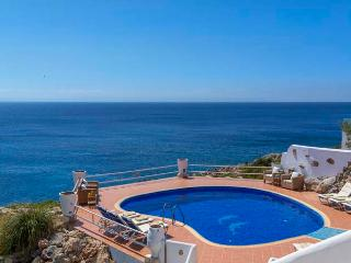 7 bedroom Villa with Internet Access in Akrotiri - Akrotiri vacation rentals