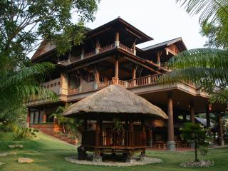 Spacious 8 bedroom Villa in Janda Baik - Janda Baik vacation rentals