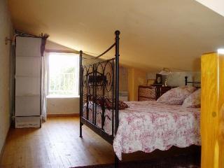 Keirmasi Gites Dordogne- Singa Studio - Lamothe-Fenelon vacation rentals