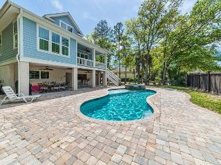 Moonshell 13, 4 bedroom, Heated Private Pool & Spa, Walk to Beach, Sleeps 14 - Palmetto Dunes vacation rentals